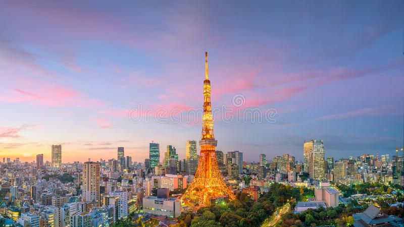 Panorama view of Tokyo city skyline and Tokyo Tower building in Japan stock photography