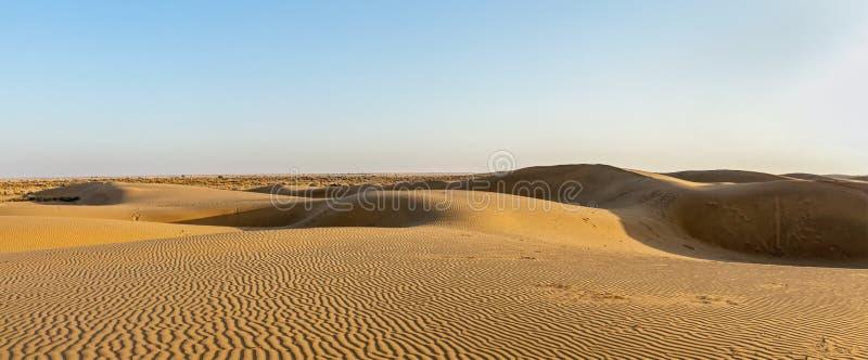 Panorama von Dünen in Thar-Wüste, Rajasthan, Indien lizenzfreie stockbilder