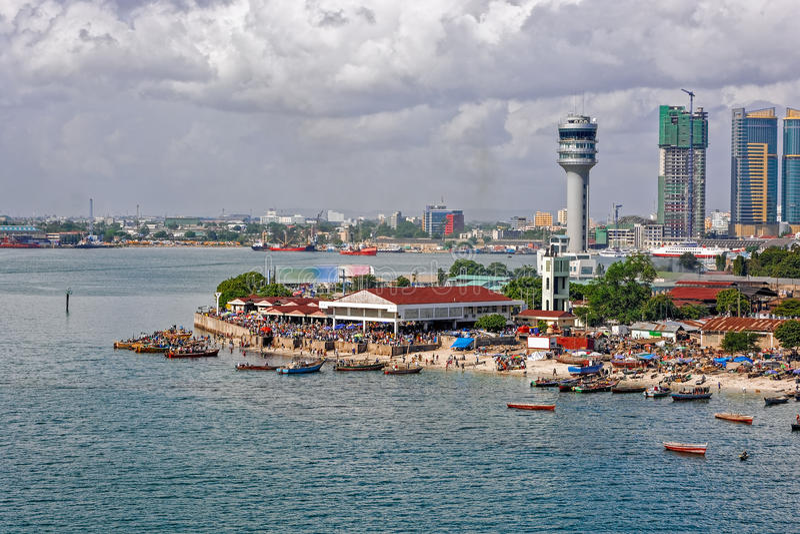 Panorama von Dar Es Salaam stockbilder