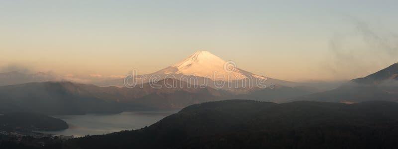 Panorama von Gebirgs-Fuji-Winter am Morgen lizenzfreies stockfoto