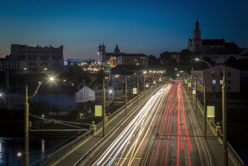 Panorama von Grodno nachts lizenzfreie stockbilder