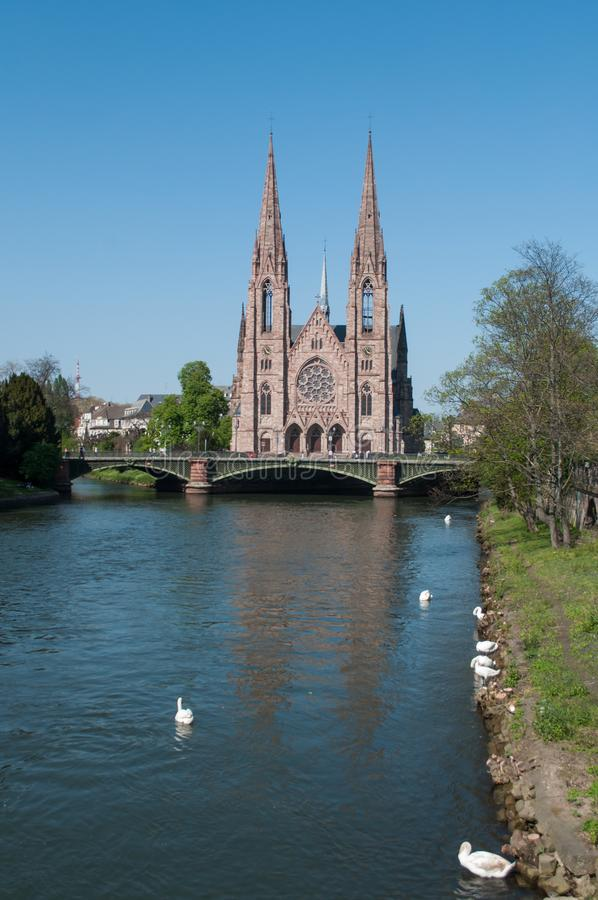 Panorama von IL-Fluss mit St- Paulkirche lizenzfreie stockfotos