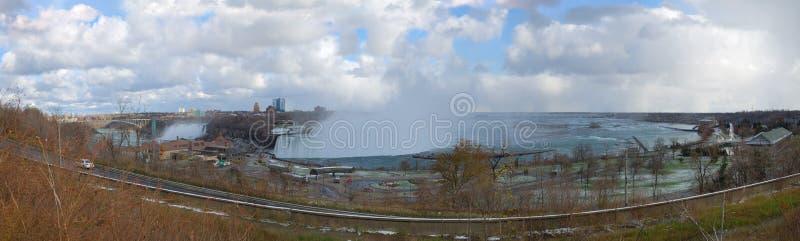 Panorama von kanadischem Niagara Falls lizenzfreie stockfotografie