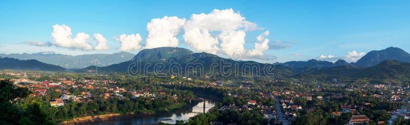 Panorama von Luang Prabang, Laos Ansicht von Berg phousi Luang Prabang stockbild