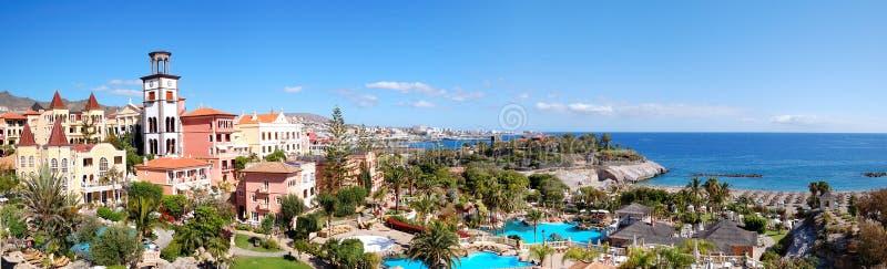 Panorama von Luxushotel und Playa De las Amerika lizenzfreies stockbild