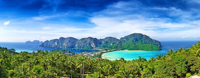 Panorama von Phi-Phiinsel, Krabi-Provinz, Thailand stockfotografie