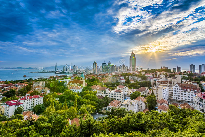Panorama von Qingdao-Stadt stockbild