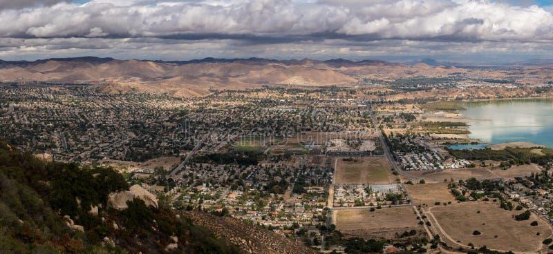 Panorama von See Elsinore in Kalifornien lizenzfreies stockfoto