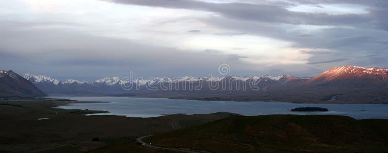 Panorama von See Tekapo in Neuseeland stockbild