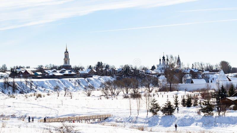 Panorama von Suzdal-Stadt mit mit Klöstern stockfotos
