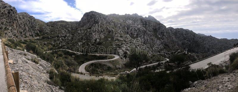 Panorama w??owata droga Sa Calobra, Mallorca obrazy stock