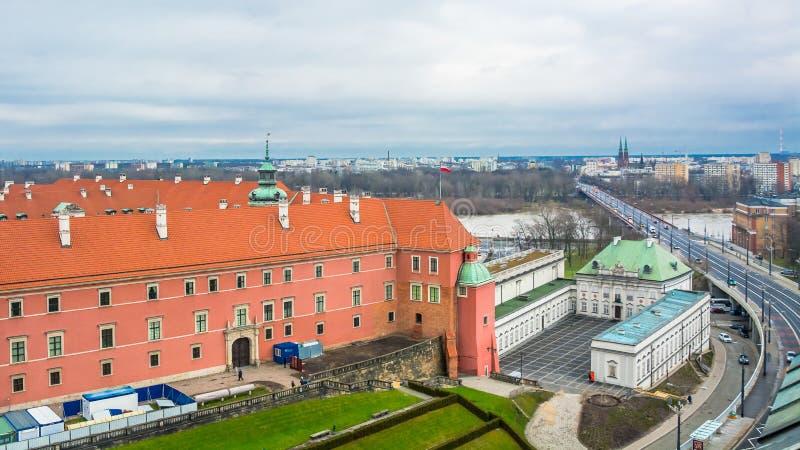 Panorama Warszawa z autostradą i mostem przez Wisla rzekę fotografia stock