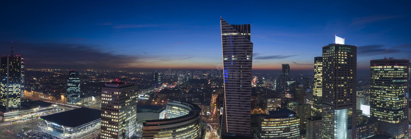 Panorama Warszawski śródmieście podczas nocy obrazy royalty free