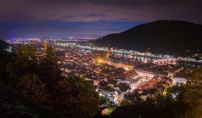 Panorama widok od Heidelberg kasztelu stary miasteczko Heidelberg przy nocą, Baden-Wuerttemberg, Niemcy fotografia royalty free