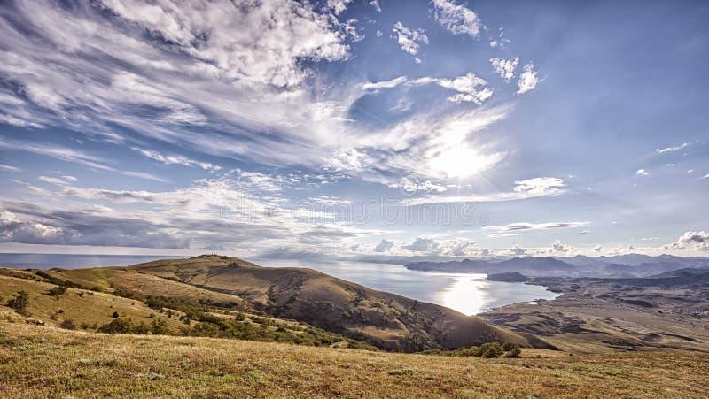 Panorama widok z wierzchu halnego Meganom czarny morze Krymski seacost fotografia stock