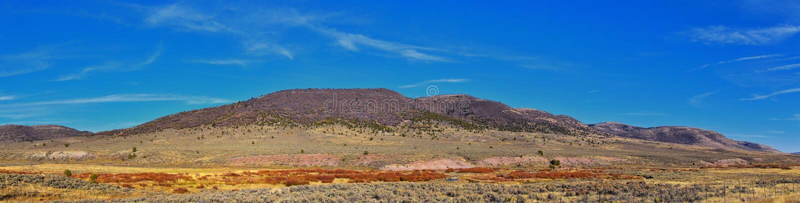 Panorama widoki na góry, pustynię i krajobraz wokół Price Canyon Utah z autostrady 6 i 191 przez Manti La Sal National Fo zdjęcie stock