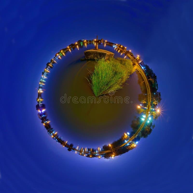 360 panorama wodna brama przy kanałem w zmierzchu czasie obrazy stock