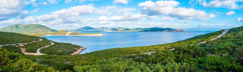 Panorama wybrzeże alghero w wiośnie Sardinia obrazy royalty free