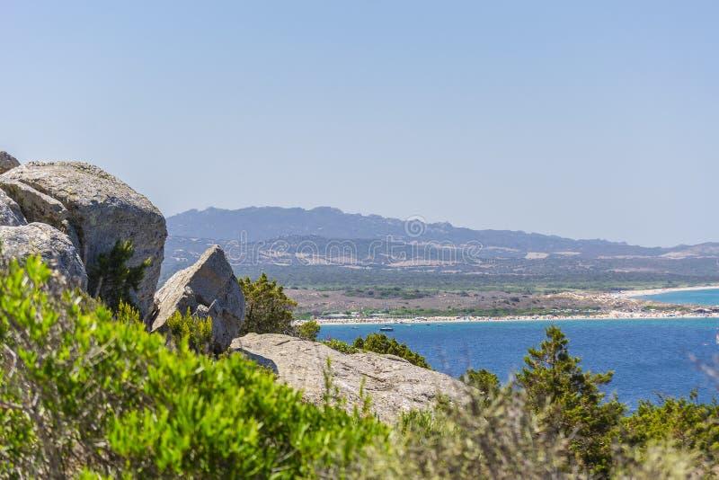 Panorama wybrzeże blisko Palau Sardinia, Włochy zdjęcia stock
