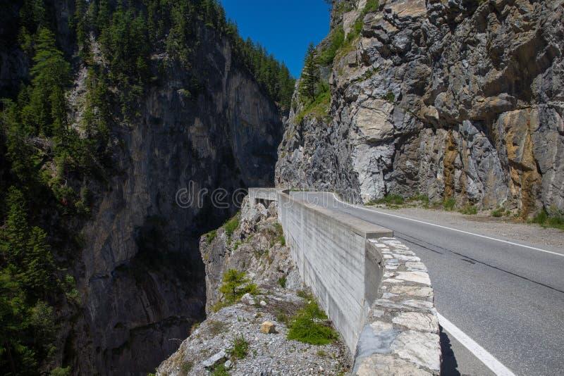 Panorama XXL de la montaña del verano imagen de archivo