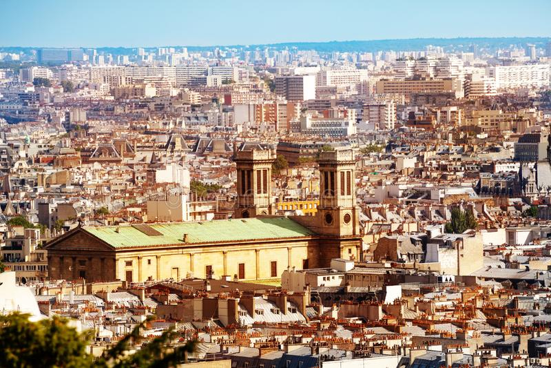 Panorama y foco de París en Saint-Vincent de Paul imagen de archivo libre de regalías