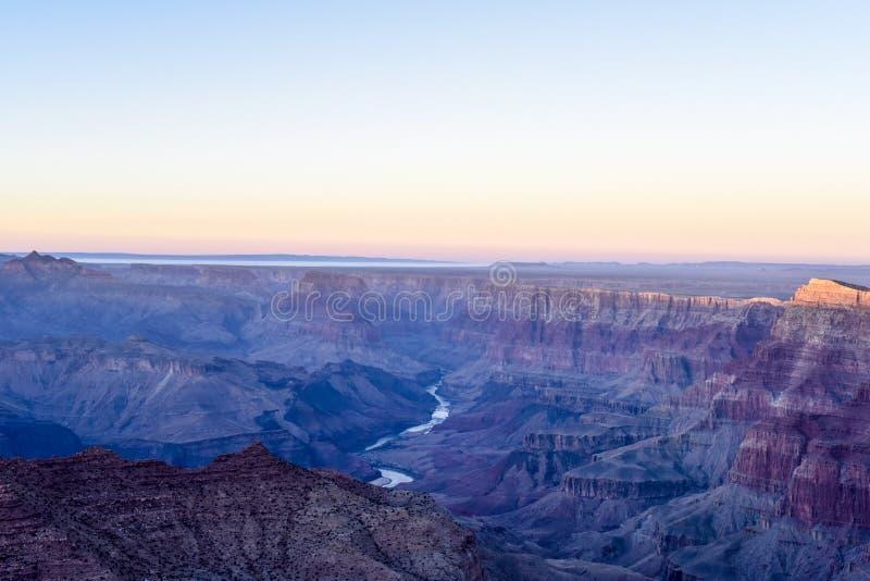 Panorama zmierzch w Uroczystym Canyan parku narodowym fotografia stock