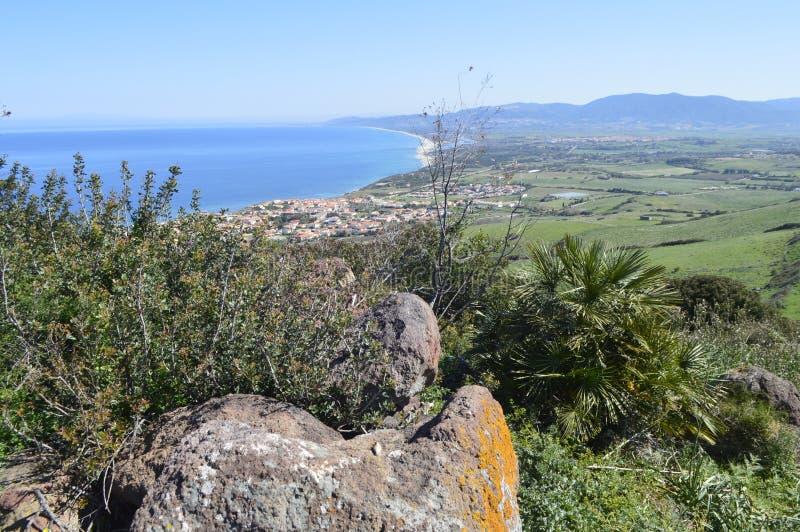 Panoramaansicht von einem Strand stockfotos