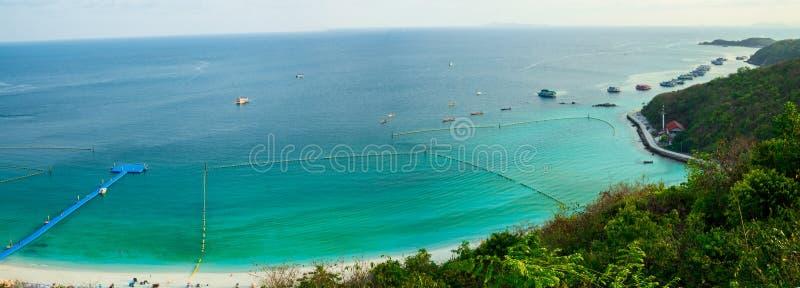 Panoramaansicht von Koh Larn-Insel lizenzfreie stockfotografie