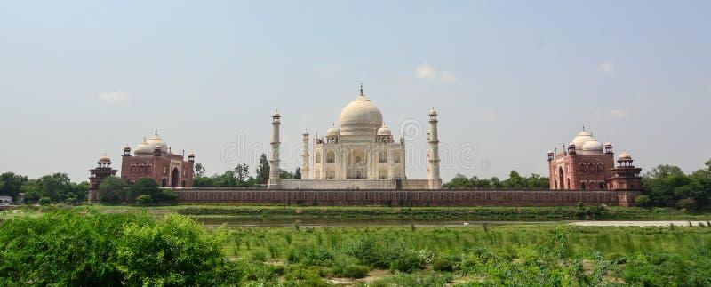 Panoramaansicht von Taj Mahal in Agra, Indien stockbilder