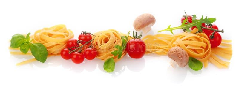 Panoramabaner av nya sunda pastaingredienser royaltyfri foto