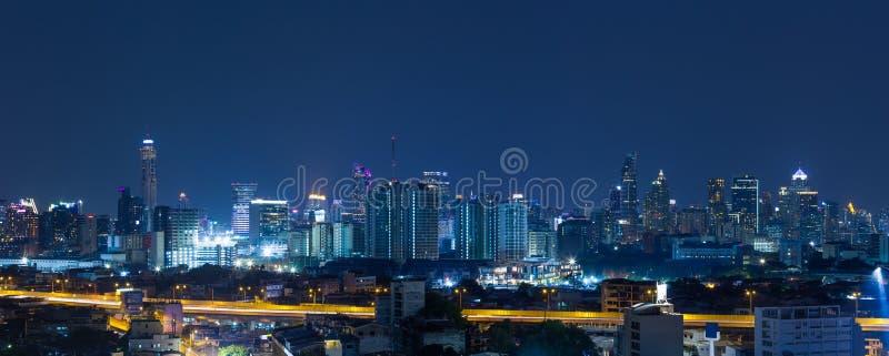 Panoramabangkok stad på natten arkivbild