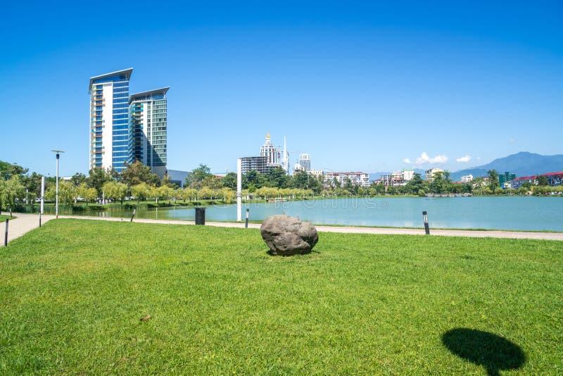 Panoramabild av Nurigeli sjön i Batumi royaltyfria foton