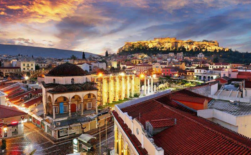 Panoramablick über der alten Stadt von Athen und dem Parthenon-Tempel der Akropolises während des Sonnenaufgangs lizenzfreies stockfoto