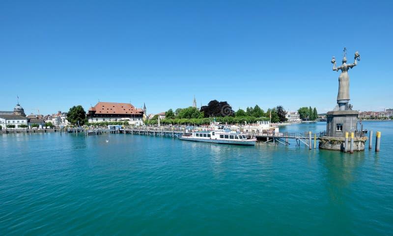Panoramablick alten Stadt Konstanz und des Hafens, Deutschland stockfotos
