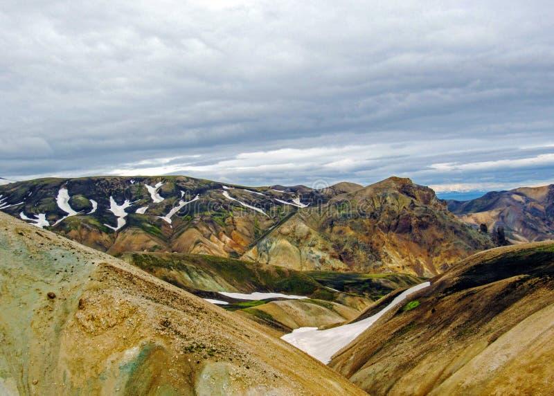 Panoramablick auf szenischem Hochlandbereich geothermischen Bereichs Landmannalaugar, Fjallabak-Naturreservat in Mittel-Island stockbilder