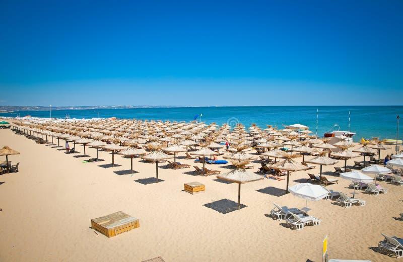 Panoramablick auf Varna-Strand in Bulgarien. lizenzfreie stockfotografie