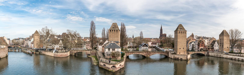 Panoramablick auf wenigem Frankreich-Bezirk in Straßburg stockbilder