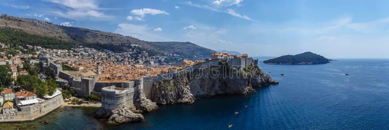Panoramablick der alten Stadt von Dubrovnik lizenzfreies stockfoto