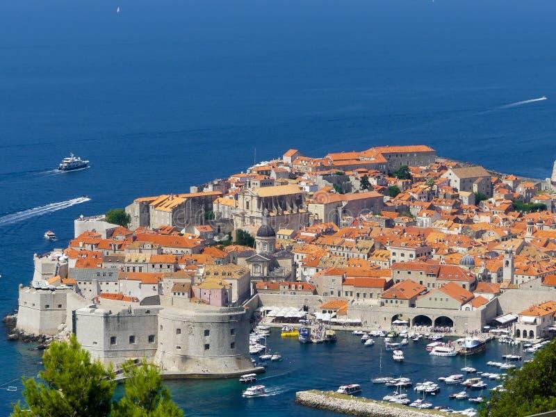Panoramablick der historischen alten Stadt von Dubrovnik stockfotos
