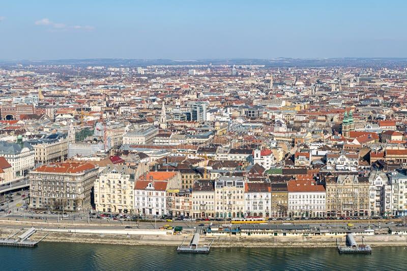 Panoramablick der Stadt in der Mitte von Budapest-Satz Dächern entlang der Donau an einem sonnigen Nachmittag Budapest Ungarn MA stockbilder