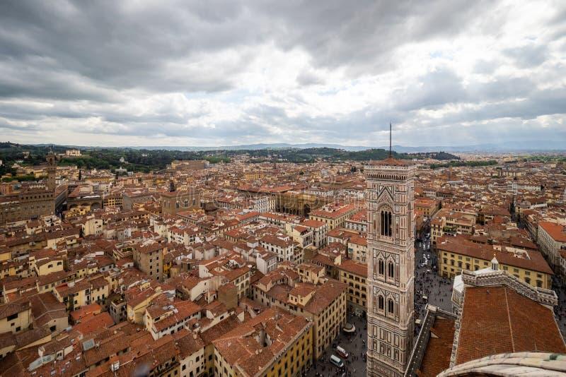 Panoramablick der Stadt von Florenz - Firenze in Toskana-Region, Italien bis zum Tag lizenzfreie stockbilder