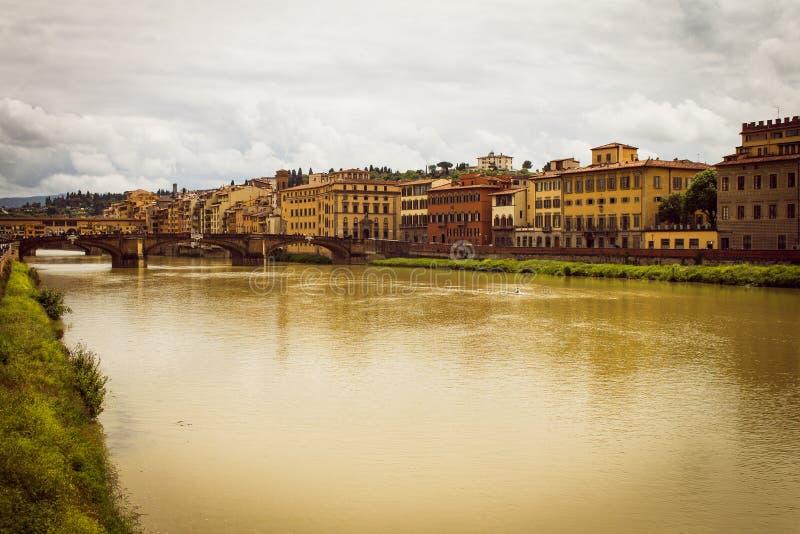 Panoramablick der Stadt von Florenz Sturmwolken bedecken den Himmel stockfotos