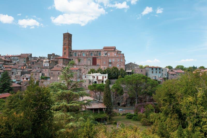 Panoramablick der Stadt von Sutri in Mittel-Italien lizenzfreies stockfoto