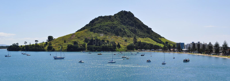 Panoramablick des Bergs Maunganui in Tauranga, Neuseeland lizenzfreie stockfotos
