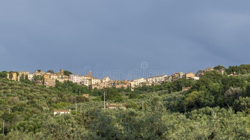 Panoramablick des mittelalterlichen Dorfs von Castagneto Carducci, Livorno, Toskana, Italien stockfoto