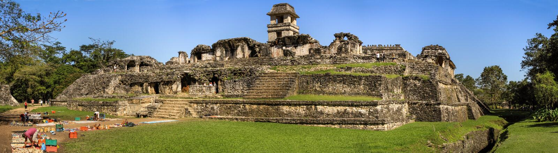Panoramablick des Palastkomplexes, Palenque, Chiapas, Mexiko lizenzfreie stockbilder