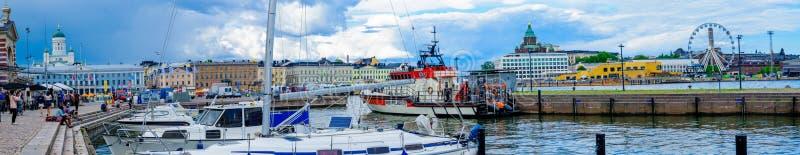 Panoramablick des Südhafens, in Helsinki stockbild