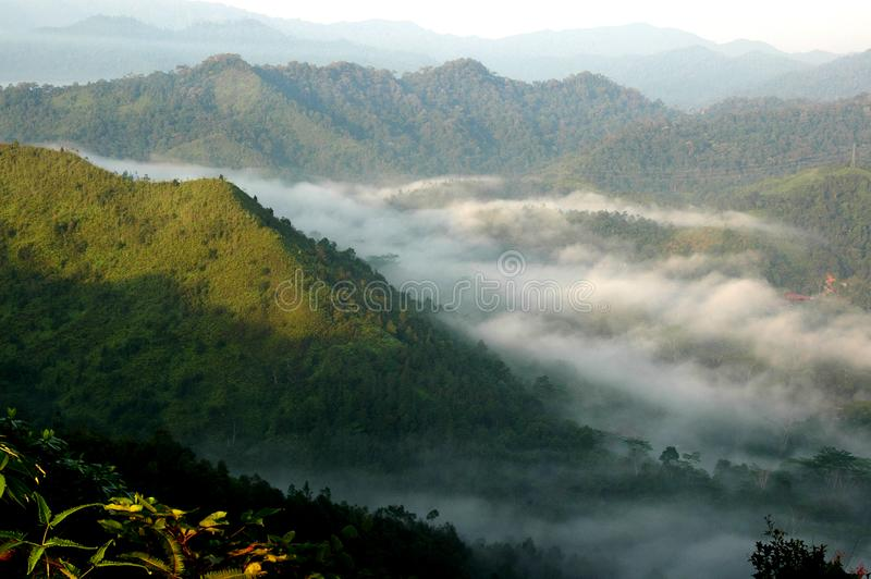 Panoramablick des Sonnenaufgangs im Panoramahügel lizenzfreie stockfotos