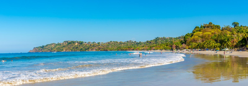 Panoramablick am Strand Espadilla in Manuel Antonio National Park - Costa Rica stockbilder