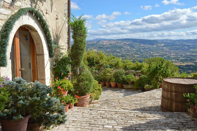 Panoramablick vom Dorf von Morcone, im S?den Von Italien stockbild